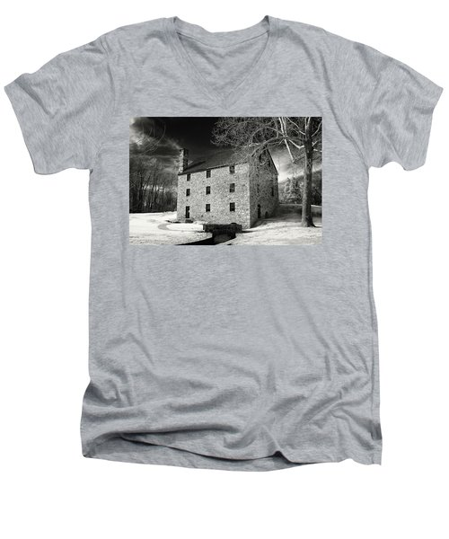 George Washingtons Gristmill Men's V-Neck T-Shirt by Paul Seymour