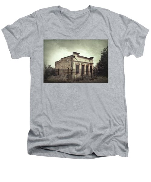 Ghost Cottage Men's V-Neck T-Shirt by Robert FERD Frank