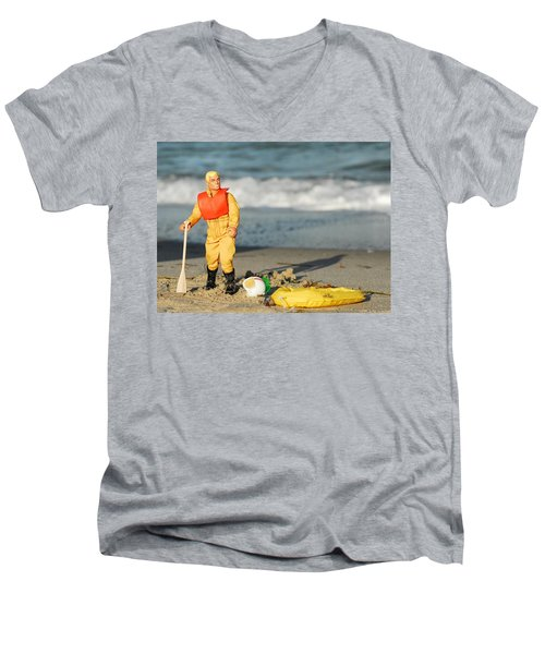 Gi Joe Marooned Men's V-Neck T-Shirt