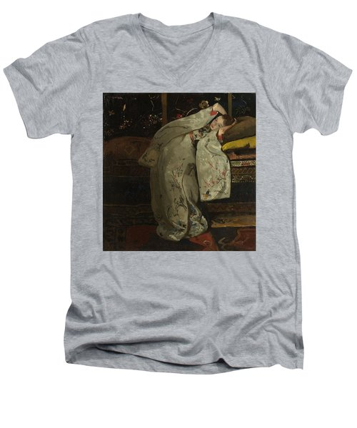 Girl In A White Kimono, 1894 Men's V-Neck T-Shirt