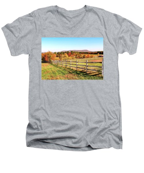 Glendale Road View In The Fall Men's V-Neck T-Shirt