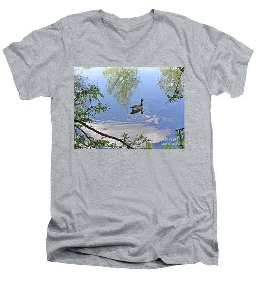 Gliding Goose Men's V-Neck T-Shirt