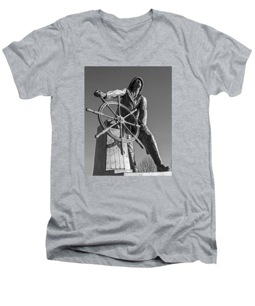 Gloucester Fisherman's Memorial Statue Black And White Men's V-Neck T-Shirt