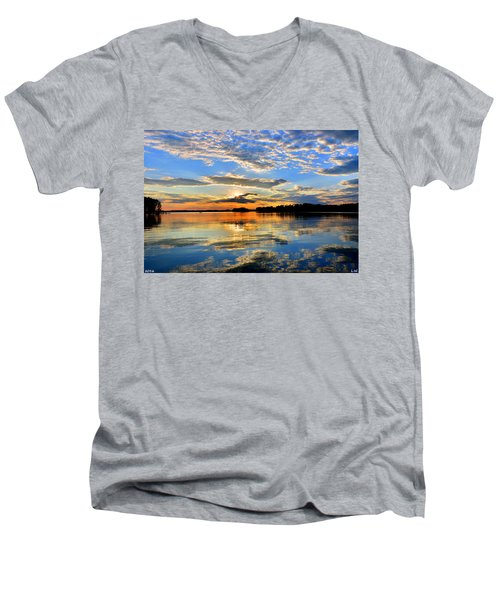 God's Glory Men's V-Neck T-Shirt