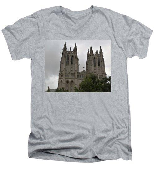 God's House Men's V-Neck T-Shirt