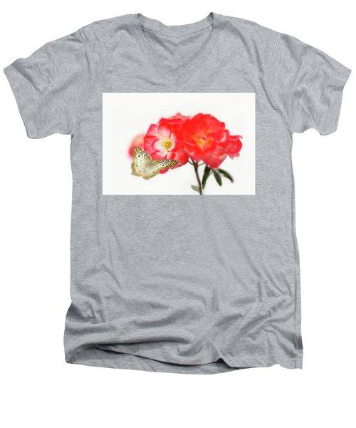 Golden Butterfly On Roses Men's V-Neck T-Shirt