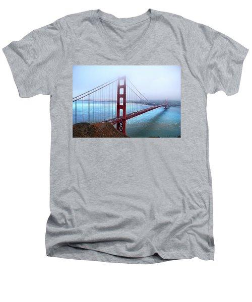 Golden Gate Bridge Men's V-Neck T-Shirt