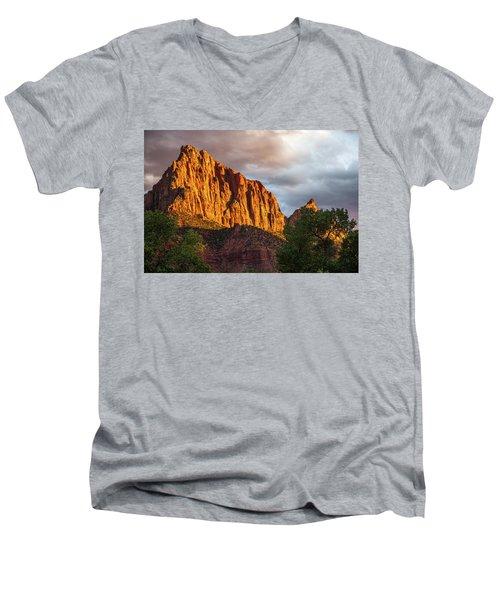Golden Light On Watchman - Zion Men's V-Neck T-Shirt
