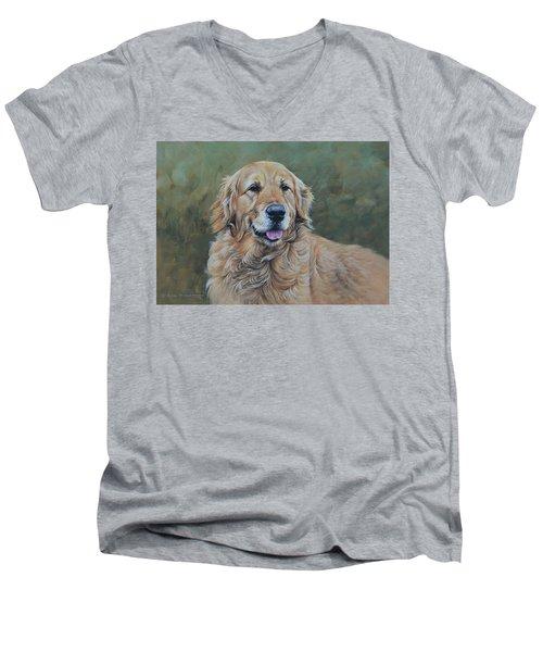 Golden Retriever Portrait Men's V-Neck T-Shirt