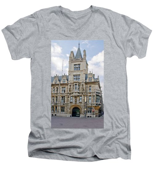 Gonville And Caius College. Cambridge. Men's V-Neck T-Shirt