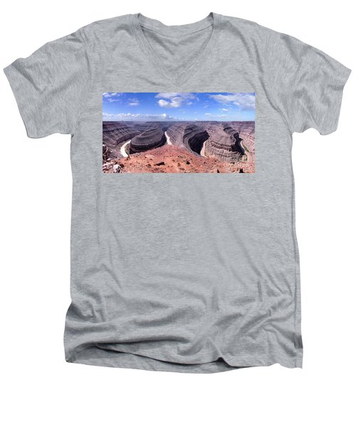 Gooseneck Bends Panorama Men's V-Neck T-Shirt
