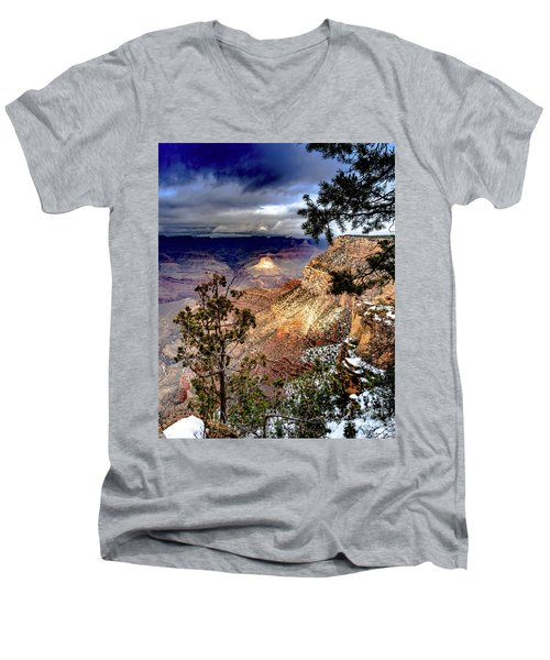 Grand Canyon In Winter Men's V-Neck T-Shirt