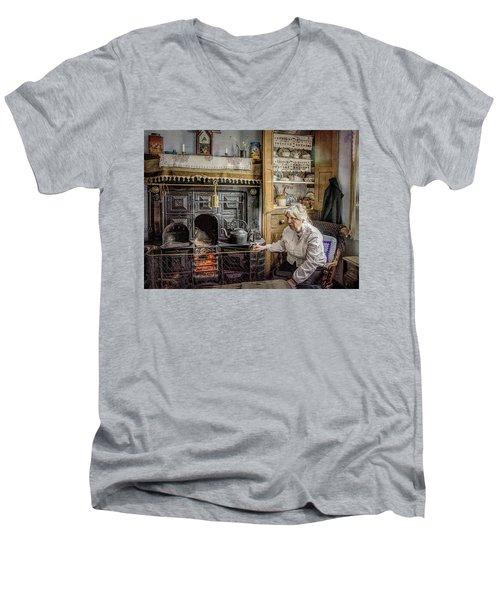 Grandma's Grate Men's V-Neck T-Shirt
