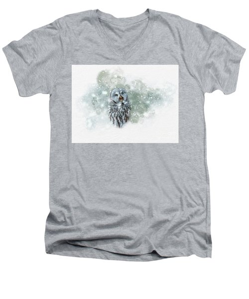 Great Grey Owl In Snowstorm Men's V-Neck T-Shirt
