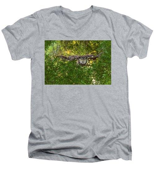 Great Horned Owl Take Off Men's V-Neck T-Shirt