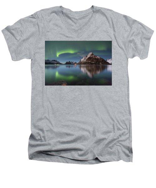 Green Reflection Men's V-Neck T-Shirt
