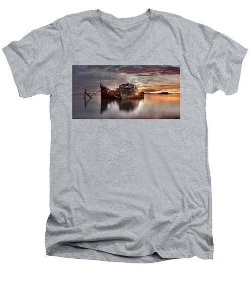 Greenpoint Sunrise Men's V-Neck T-Shirt