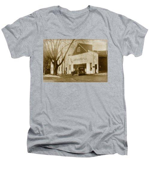 Grumman Baldwin Garage Men's V-Neck T-Shirt