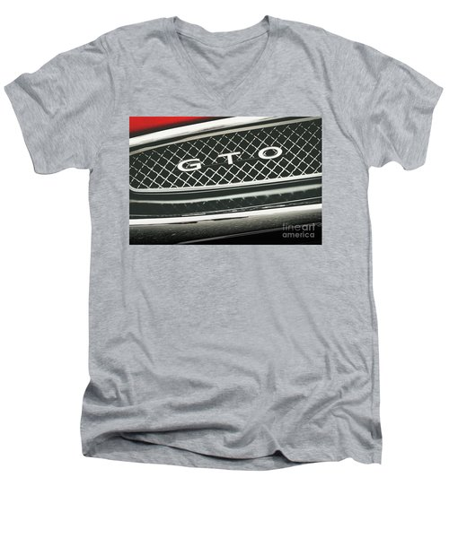 Gto Grill Men's V-Neck T-Shirt