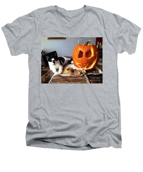 Halloween Men's V-Neck T-Shirt