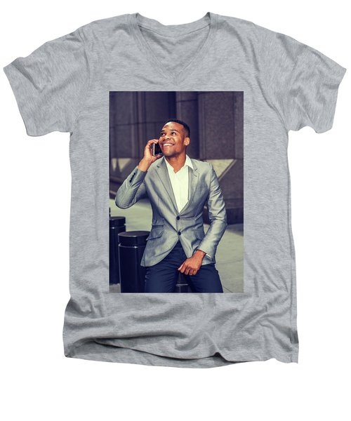 Happy African American Businessman Working In New York 15082323 Men's V-Neck T-Shirt