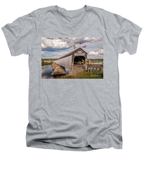 Hartland Covered Bridge Men's V-Neck T-Shirt