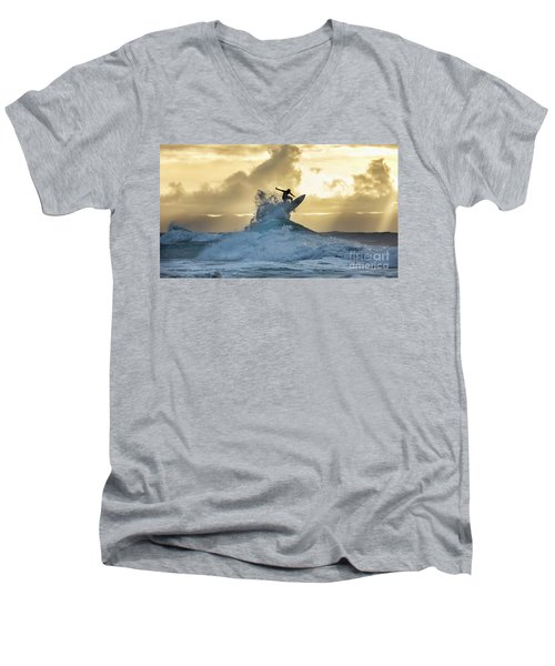 Hawaii Surfing Sunset Polihali Beach Kauai Men's V-Neck T-Shirt
