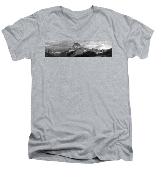 Men's V-Neck T-Shirt featuring the photograph Head And Shoulders by David Andersen