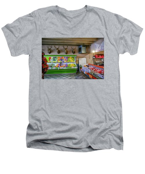 Men's V-Neck T-Shirt featuring the photograph Heads Of State by Skip Hunt