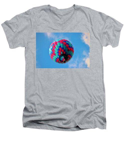 Helen Hot Air Balloon Men's V-Neck T-Shirt