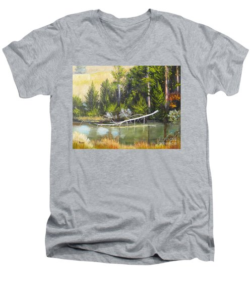 Heron Perch Men's V-Neck T-Shirt