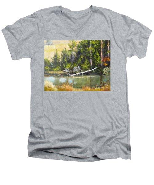 Heron Perch Men's V-Neck T-Shirt