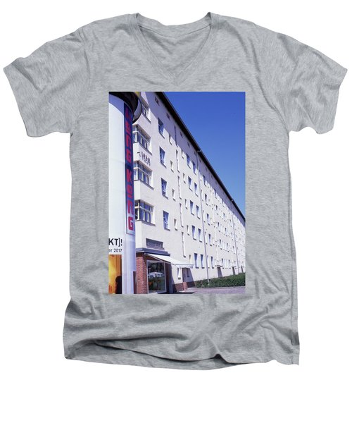 Honk Kong And Building In Berlin Men's V-Neck T-Shirt