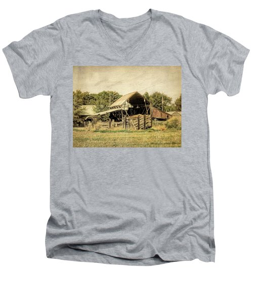 Hooper Hay Shed Men's V-Neck T-Shirt