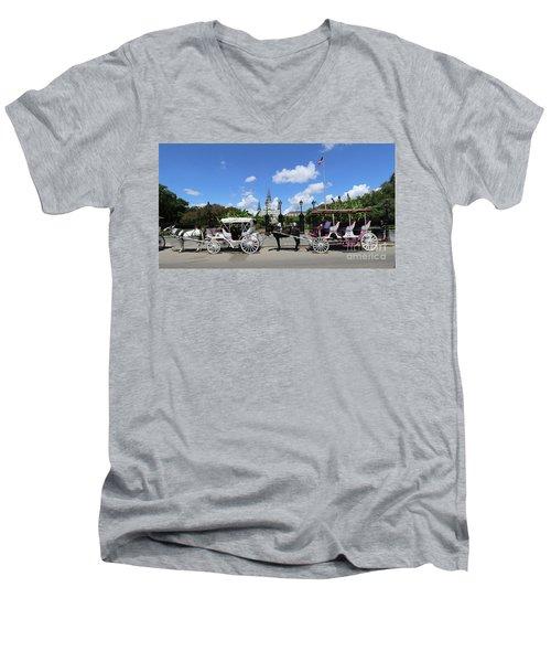 Horse Carriages Men's V-Neck T-Shirt