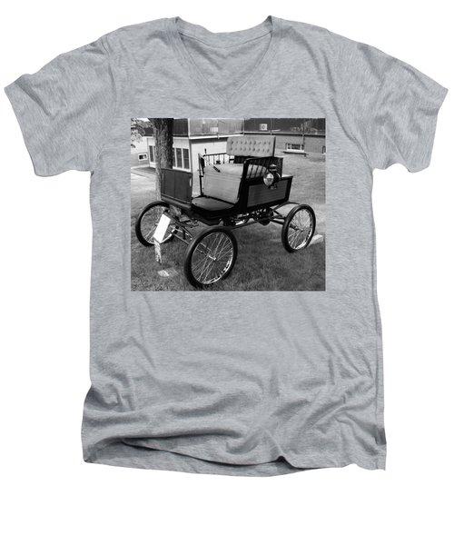 Horseless Carriage-bw Men's V-Neck T-Shirt