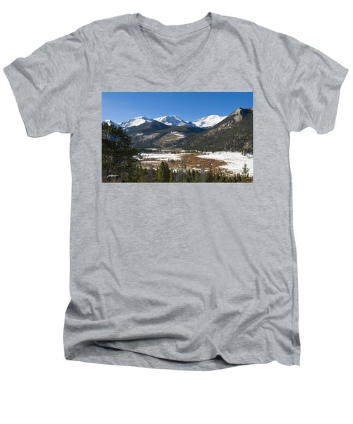 Horseshoe Park Rmnp Men's V-Neck T-Shirt