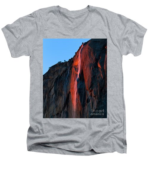 Horsetail Falls 2016 Men's V-Neck T-Shirt