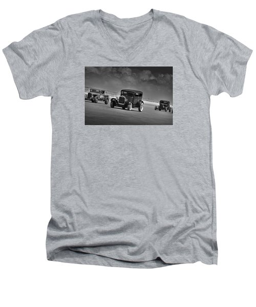 Hot Rods At Pendine 15 Men's V-Neck T-Shirt