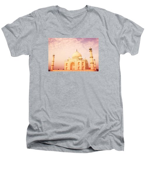 Hot Taj Mahal Men's V-Neck T-Shirt