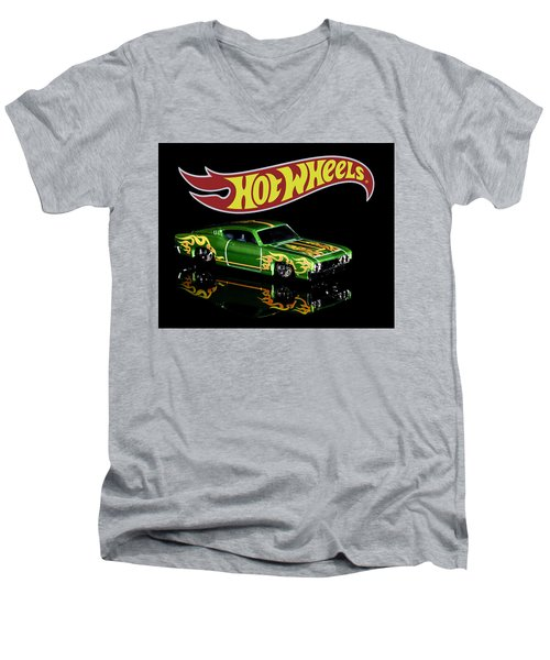 Hot Wheels '69 Ford Torino Talladega Men's V-Neck T-Shirt