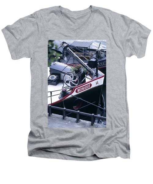 Houseboat In France Men's V-Neck T-Shirt