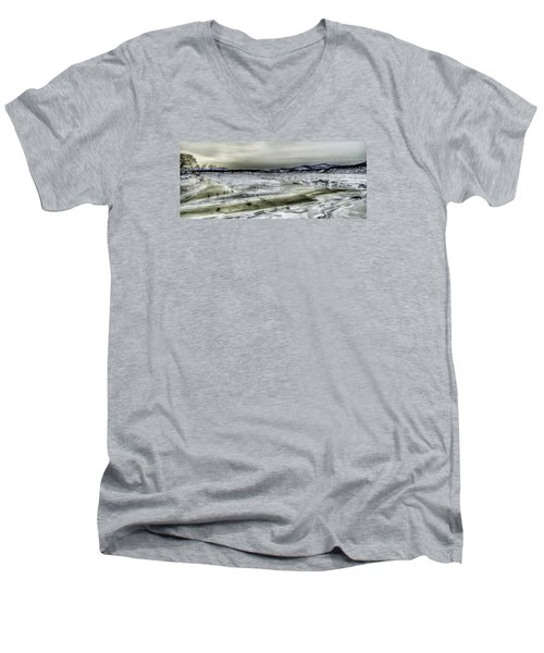 Hudson River Cold Spring, New York Men's V-Neck T-Shirt