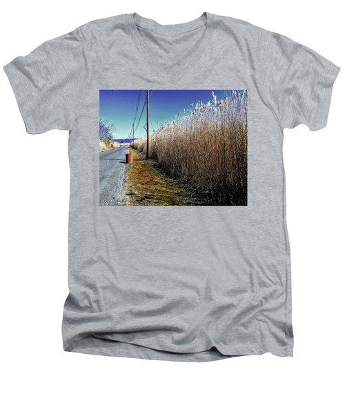 Hudson River Winter Walk Men's V-Neck T-Shirt