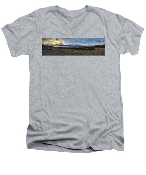 Hvalfjorour Panorama Men's V-Neck T-Shirt