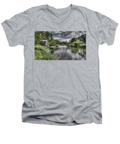 Hyde's Mill Men's V-Neck T-Shirt