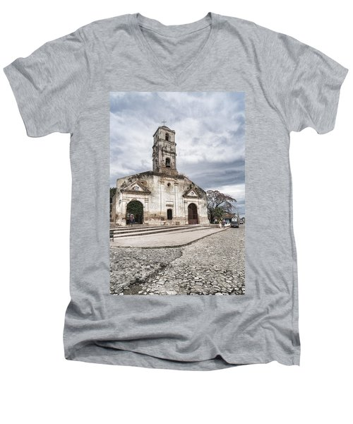Iglesia De Santa Ana Men's V-Neck T-Shirt