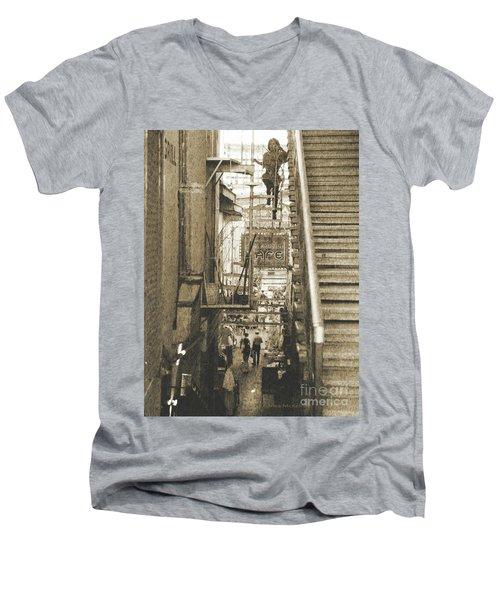 In The Middle Men's V-Neck T-Shirt