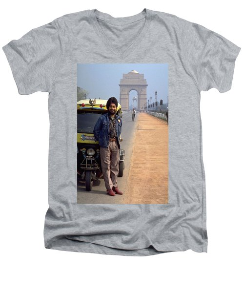 India Gate Men's V-Neck T-Shirt