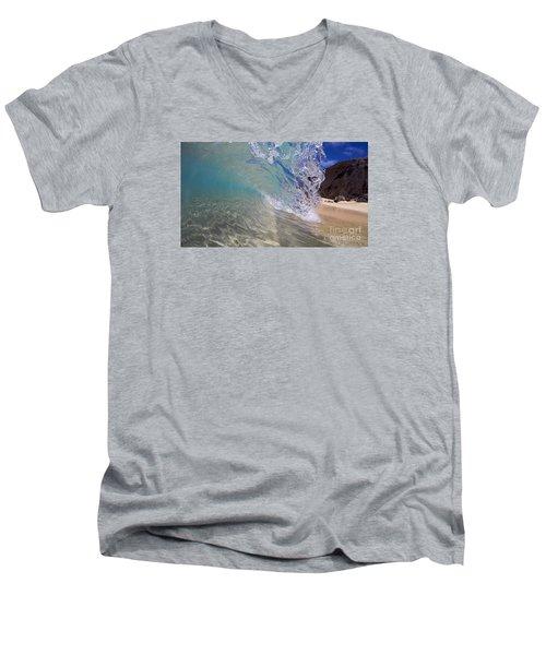 Inside The Curl Big Beach Maui Wave Men's V-Neck T-Shirt